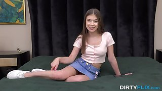 Teen actress feigning rub in sex