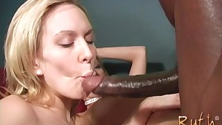 Alexa Lynn likes to ride on a black penis in a threesome until they cum