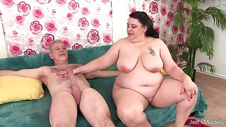 Obese Mature Latina Lacy Bangs Has Her Selfish Asshole Reamed