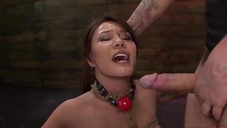 Bushwa hungry whore Mena Mason swallows the whole gumshoe and his jizz