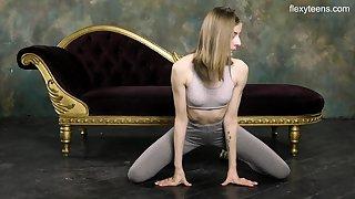 Russian gymnast Klara Lookova shows off yummy pussy and does someone's skin splits