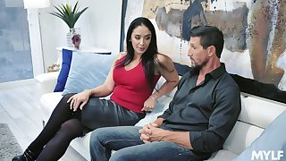 Disappoint fail gorgeous housewife Sheena Ryder gives will not hear of head and gets fucked hard