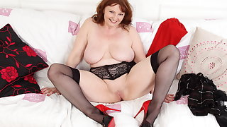 Buxom gilf Lady Ava shows you her fat boobs and fine fanny