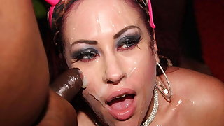 Hot Tyla Moore takes facials in a ham-fisted bukkake party