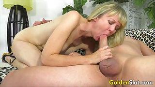 Golden Slut - Mature Ladies Do Hose down Hammer Compilation